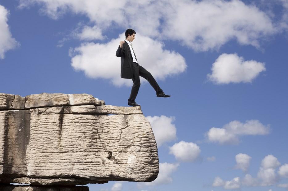 ماذا لو حلمت انني فمكان مرتفع و لا استطيع النزول لابن سيرين <p></p><br>• موقع مصري