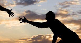 ضاع نص عمرك واحنا ياغفلين لنا لله لاتررمي نواه التمر واستفد منه