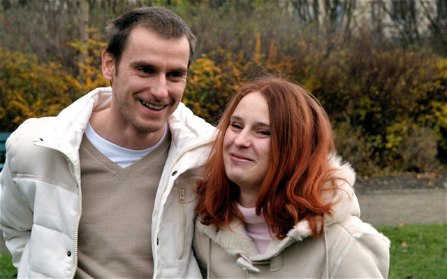 ألمانى يتزوج شقيقتة و ينجبان 4 اطفال  فكر و فن  البيان